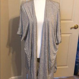 Jackets & Blazers - EUC dolman sleeve kimono